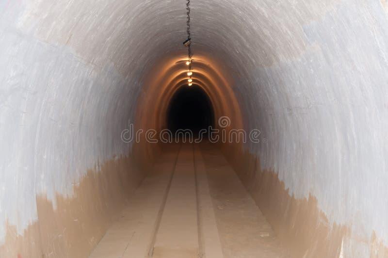 σήραγγα αποθηκών υπόγεια στοκ εικόνες με δικαίωμα ελεύθερης χρήσης