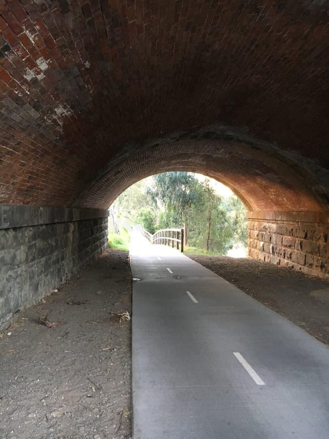 Σήραγγα διαδρομής ποδηλάτων στοκ φωτογραφίες με δικαίωμα ελεύθερης χρήσης