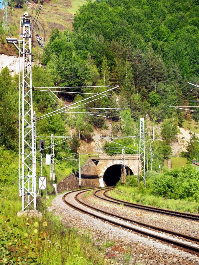 σήραγγα σιδηροδρόμου στοκ φωτογραφία με δικαίωμα ελεύθερης χρήσης