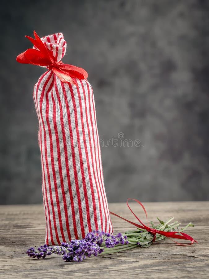 Σακούλα με ξηρό lavender στοκ εικόνες με δικαίωμα ελεύθερης χρήσης