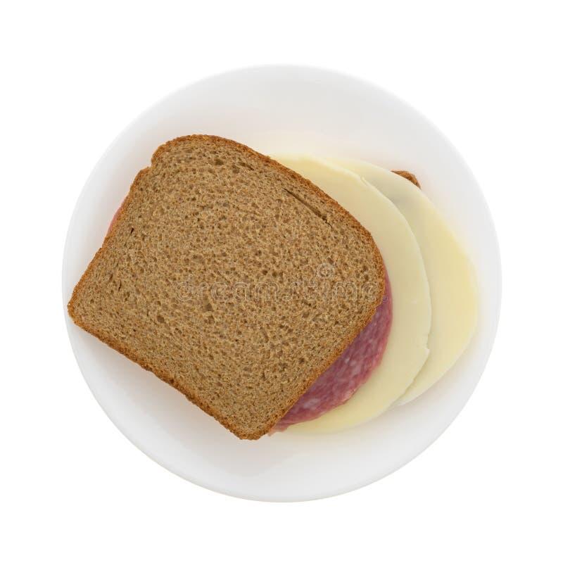 Σαλάμι της Γένοβας και σάντουιτς ψωμιού σίτου τυριών προβολόνε στοκ φωτογραφίες