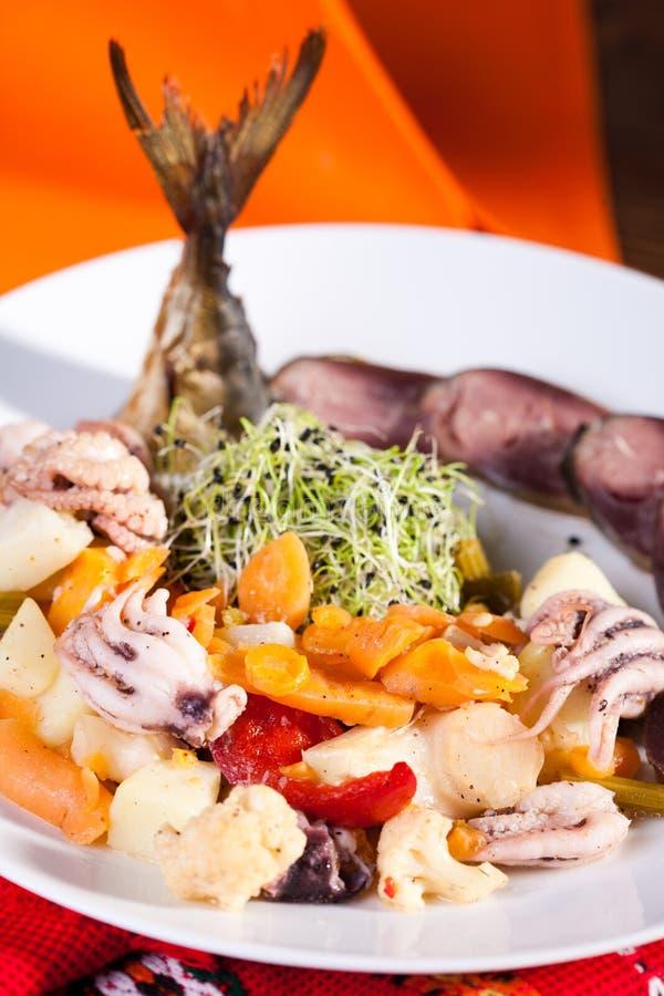 Download Σαλάτα θαλασσινών στοκ εικόνες. εικόνα από lunch, μαριναρισμένος - 17055388