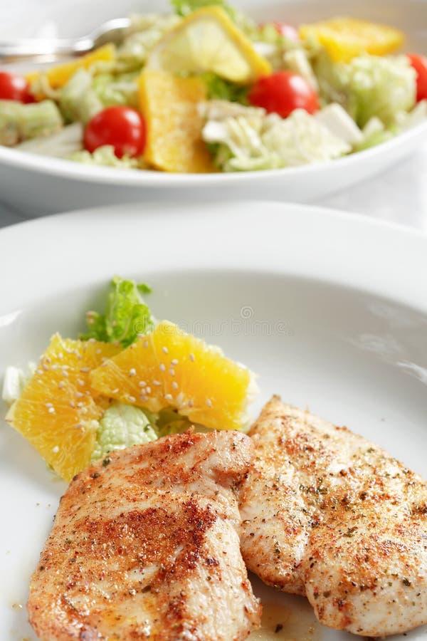 Download σαλάτα μενταγιόν κοτόπου&l στοκ εικόνες. εικόνα από φρέσκος - 2225722