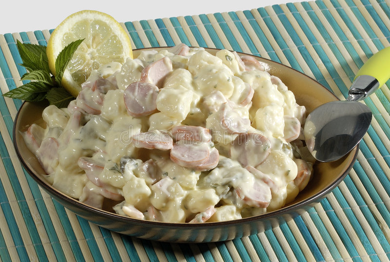 σαλάτα πατατών κρέατος στοκ εικόνες