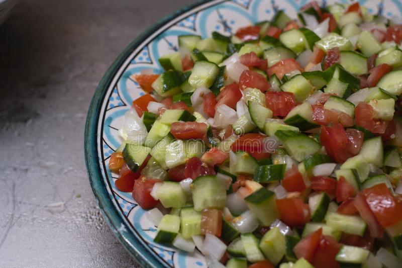 Σαλάτα, φρέσκια μικτή πλάγια όψη λαχανικών κοντά επάνω στοκ φωτογραφίες