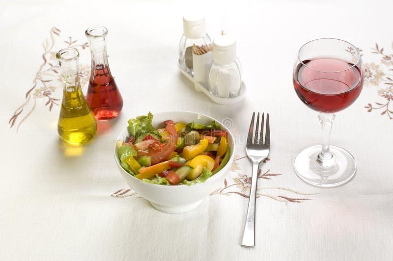 Download σαλάτα στοκ εικόνα. εικόνα από μαρούλια, εστιατόριο, συστατικά - 1548827