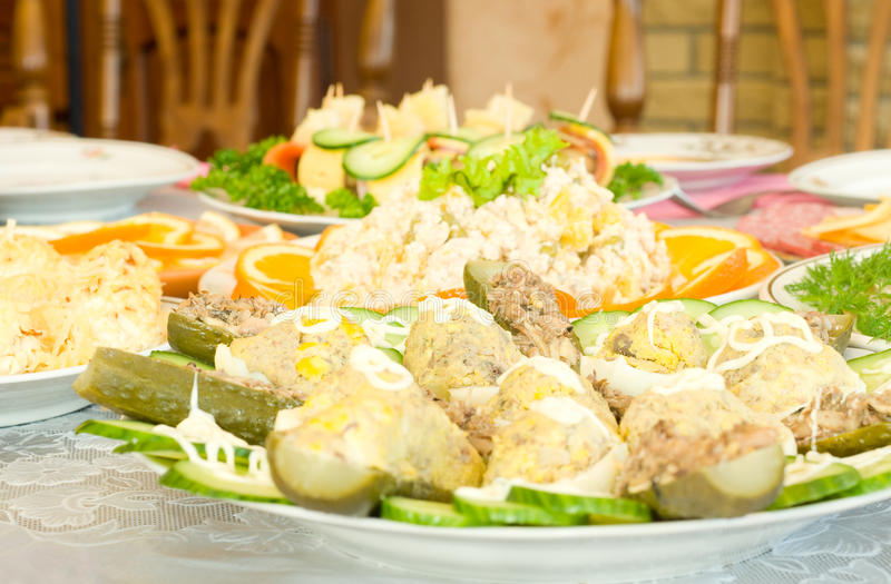 Download σαλάτες εστιατορίων συ&m στοκ εικόνα. εικόνα από φάτε - 13178965