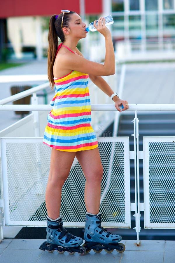 σαλάχι κυλίνδρων κοριτσ&io στοκ εικόνα