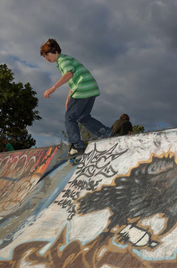 σαλάχι πάρκων αγοριών στοκ φωτογραφία με δικαίωμα ελεύθερης χρήσης