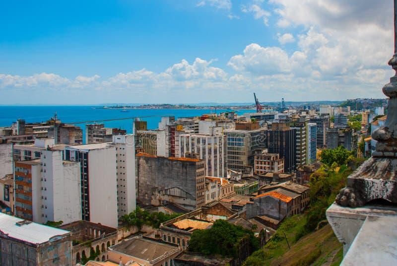 ΣΑΛΒΑΔΟΡ, ΒΡΑΖΙΛΙΑ: Τοπ άποψη των σπιτιών και του λιμένα του Σαλβαδόρ στοκ εικόνα με δικαίωμα ελεύθερης χρήσης