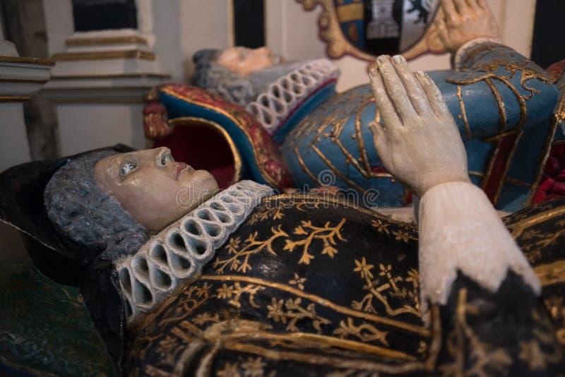 ΣΑΛΙΣΜΠΕΡΥ, WILTSHIRE/UK - 21 ΜΑΡΤΊΟΥ: Χρωματισμένος τάφος του Sir Richard στοκ εικόνες με δικαίωμα ελεύθερης χρήσης