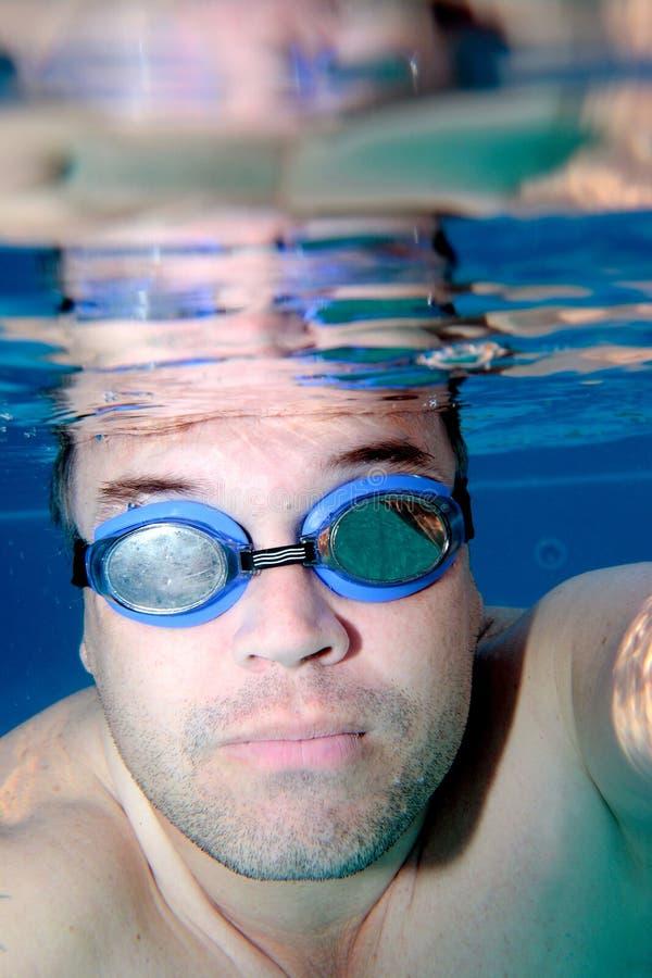 σαν αρσενικό κολυμβητή υποβρύχιο στοκ εικόνα