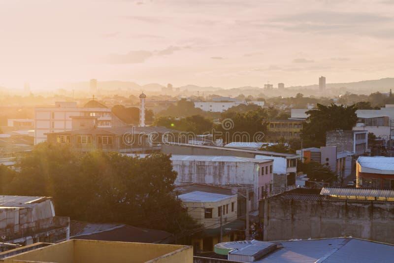 Σαν Σαλβαδόρ στο ηλιοβασίλεμα στοκ φωτογραφίες με δικαίωμα ελεύθερης χρήσης