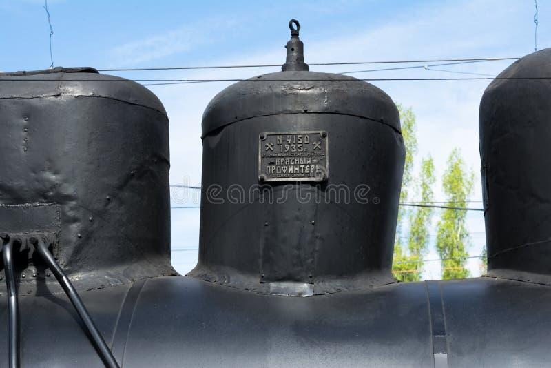 ΣΑΡΑΤΟΒ, ΡΩΣΙΑ - 6 ΜΑΐΟΥ 2017: το σημάδι στο τραίνο ατμού στοκ εικόνα