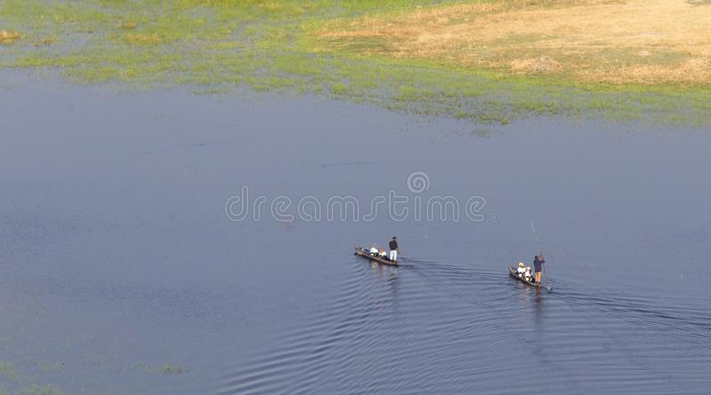 Σαφάρι Mokoro στη Μποτσουάνα στοκ φωτογραφία με δικαίωμα ελεύθερης χρήσης