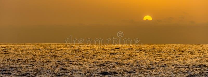 Σαφές ηλιοβασίλεμα στοκ εικόνες