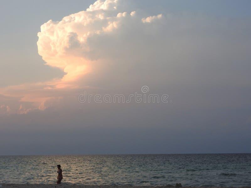 Σαφής ήλιος ηλιοβασιλέματος σε Hammamet Τυνησία, Βόρεια Αφρική στοκ φωτογραφία με δικαίωμα ελεύθερης χρήσης