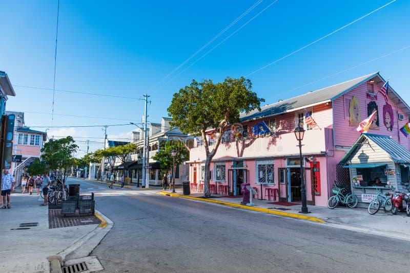 Σαφής ουρανός πέρα από την όμορφη οδό Duval στοκ φωτογραφίες με δικαίωμα ελεύθερης χρήσης