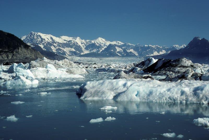 σαφείς ουρανοί παγετώνω&nu στοκ φωτογραφία με δικαίωμα ελεύθερης χρήσης
