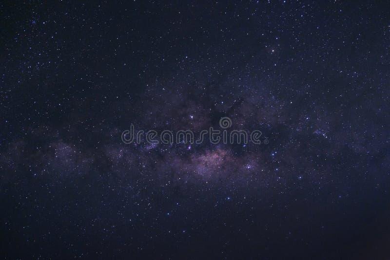 Σαφώς γαλακτώδης γαλαξίας τρόπων με τα αστέρια και διαστημική σκόνη στο univer στοκ φωτογραφία με δικαίωμα ελεύθερης χρήσης