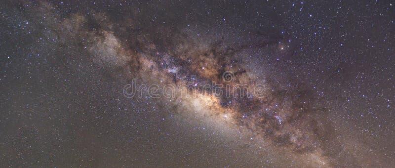 Σαφώς γαλακτώδης τρόπος στο νυχτερινό ουρανό με το αστέρι ενός εκατομμυρίου στοκ εικόνα
