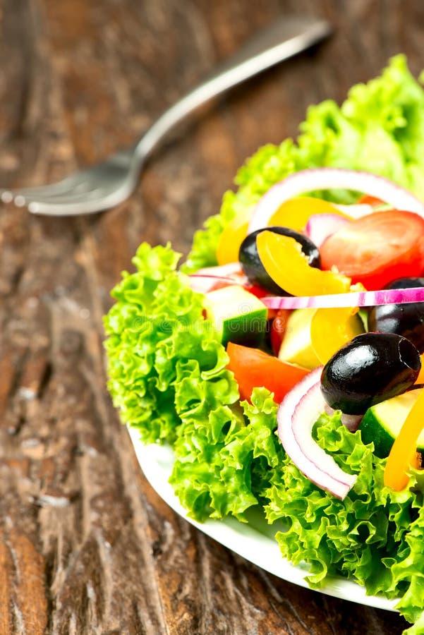 Σαλάτα με τα λαχανικά στοκ εικόνα με δικαίωμα ελεύθερης χρήσης