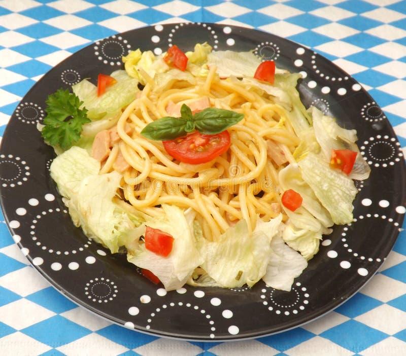 Σαλάτα με τα ζυμαρικά στοκ εικόνες