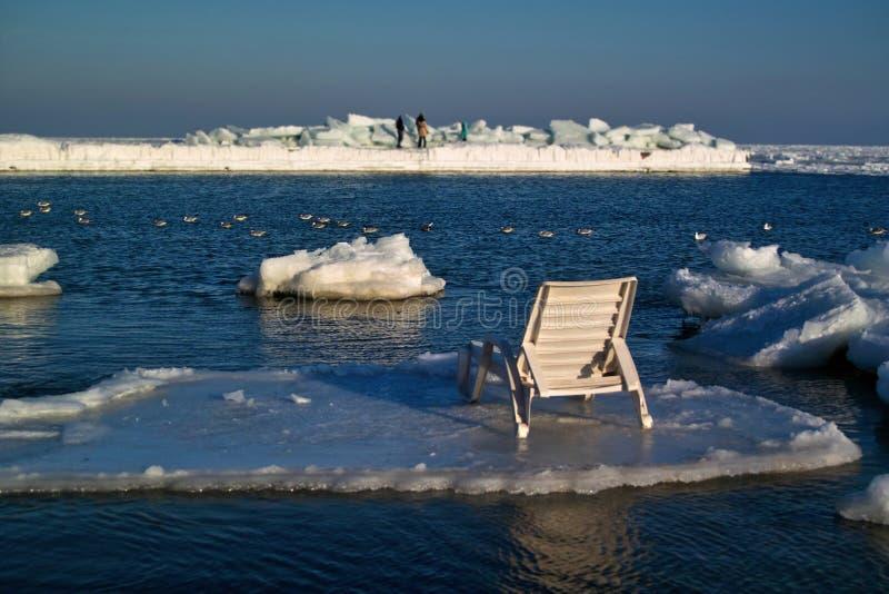 Σαλόνι μονίππων σε έναν επιπλέον πάγο πάγου στοκ φωτογραφία με δικαίωμα ελεύθερης χρήσης