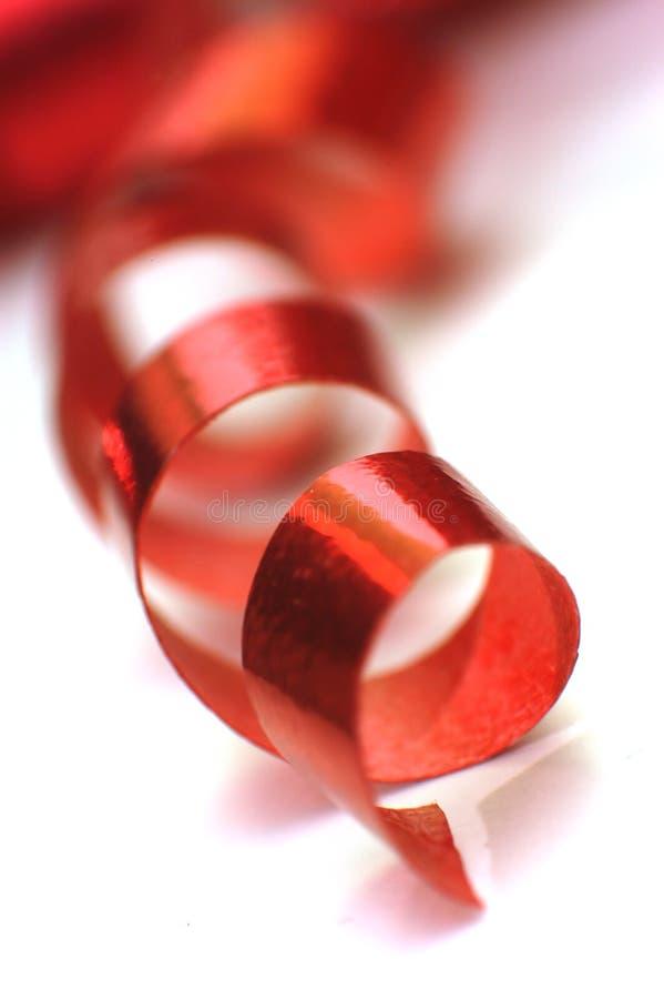 σγουρή κόκκινη κορδέλλα στοκ φωτογραφίες