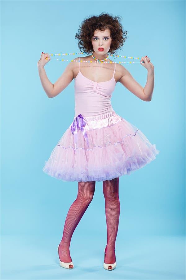 σγουρό κορίτσι brunette στοκ φωτογραφία με δικαίωμα ελεύθερης χρήσης