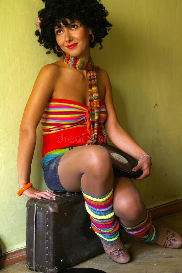 σγουρό χαριτωμένο κορίτσι disco στοκ φωτογραφίες