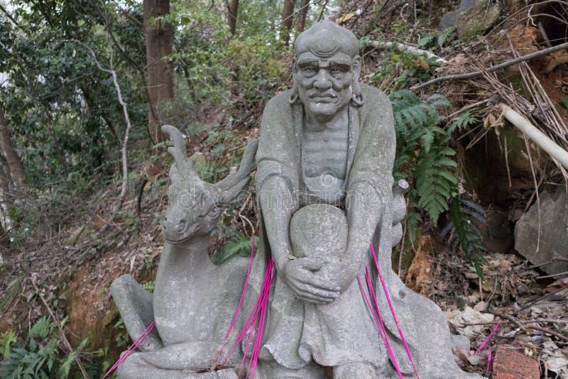Σεβάσμιο γλυπτική-μεγάλο άγαλμα πετρών δεκαοχτώ στοκ φωτογραφίες