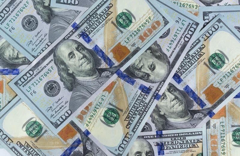 Σειρά 2013 εκατό λογαριασμών αμερικανικών δολαρίων ως πλούσια έννοια στοκ εικόνες