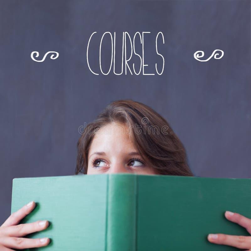 Σειρές μαθημάτων ενάντια στο βιβλίο εκμετάλλευσης σπουδαστών στοκ εικόνες