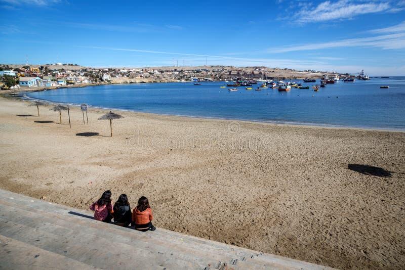 Σενάριο παραλιών στη βόρεια Χιλή στην περιοχή Bahia Inglesa στοκ εικόνες
