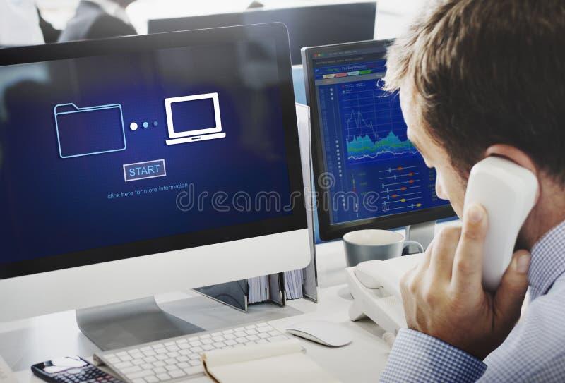 Σε απευθείας σύνδεση έννοια τεχνολογίας πληροφοριών συγχρονισμού μεταφοράς δεδομένων αποθήκευσης στοκ εικόνες