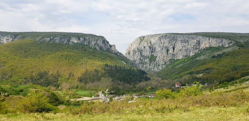 Σε Cheiile Turzii, Ρουμανία από μακριά στοκ φωτογραφίες