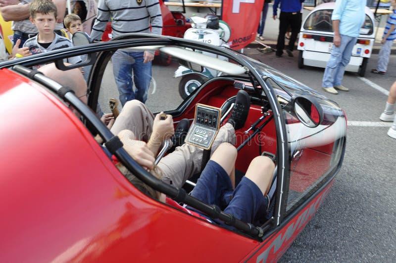 Σε ` ZÃ ¼ πλούσιος-Mobilty ` - ημέρα πολλοί λαοί δοκίμασαν τα ηλεκτρο αυτοκίνητα και τα ποδήλατα στοκ φωτογραφίες