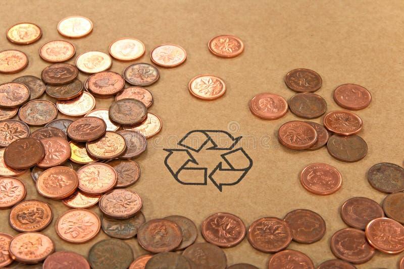 σημάδι ανακύκλωσης χρημάτ&omeg στοκ φωτογραφία με δικαίωμα ελεύθερης χρήσης