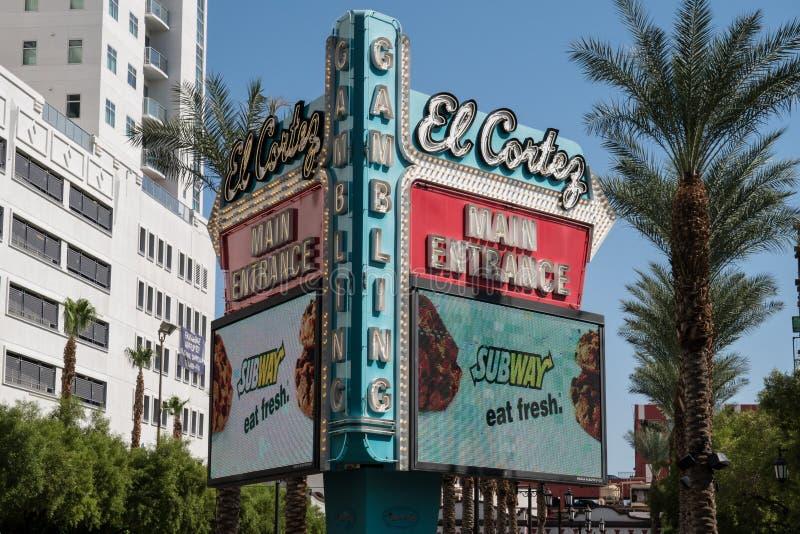 Σημάδι για το ξενοδοχείο EL Cortez και χαρτοπαικτική λέσχη στη στο κέντρο της πόλης οδό του Λας Βέγκας Fremont μια ηλιόλουστη ημέ στοκ εικόνα