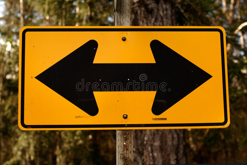 σημάδι διπλής κατεύθυνση&si στοκ εικόνες με δικαίωμα ελεύθερης χρήσης
