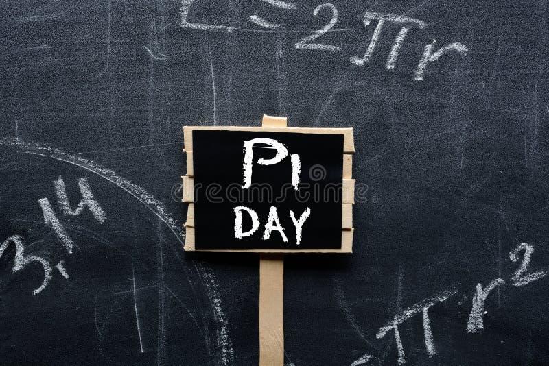 Σημάδι ημέρας pi στο σχολικό πίνακα στοκ εικόνα με δικαίωμα ελεύθερης χρήσης