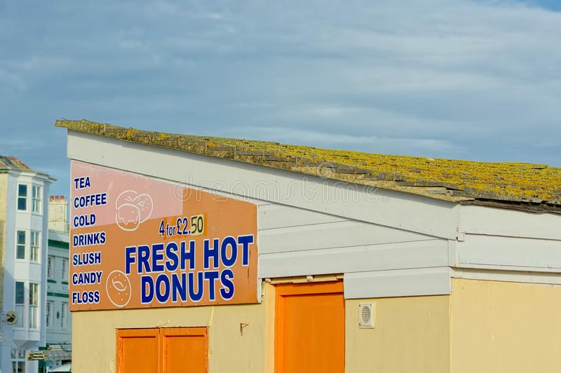 Σημάδι καφέδων Donuts για την πώληση Ζητήματα υγείας στοκ φωτογραφία με δικαίωμα ελεύθερης χρήσης