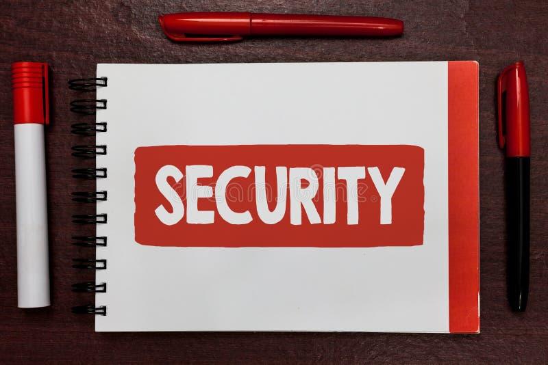 Σημάδι κειμένων που παρουσιάζει ασφάλεια Εννοιολογική φωτογραφία η κατάσταση του αισθήματος ασφαλείς σταθερού και απαλλαγμένου απ στοκ φωτογραφία με δικαίωμα ελεύθερης χρήσης