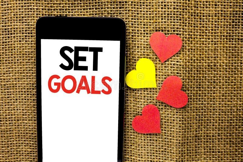 Σημάδι κειμένων που παρουσιάζει καθορισμένους στόχους Εννοιολογικό κίνητρο στόχων στόχου ιδέας στόχου ονείρων οράματος προγραμματ στοκ φωτογραφία με δικαίωμα ελεύθερης χρήσης