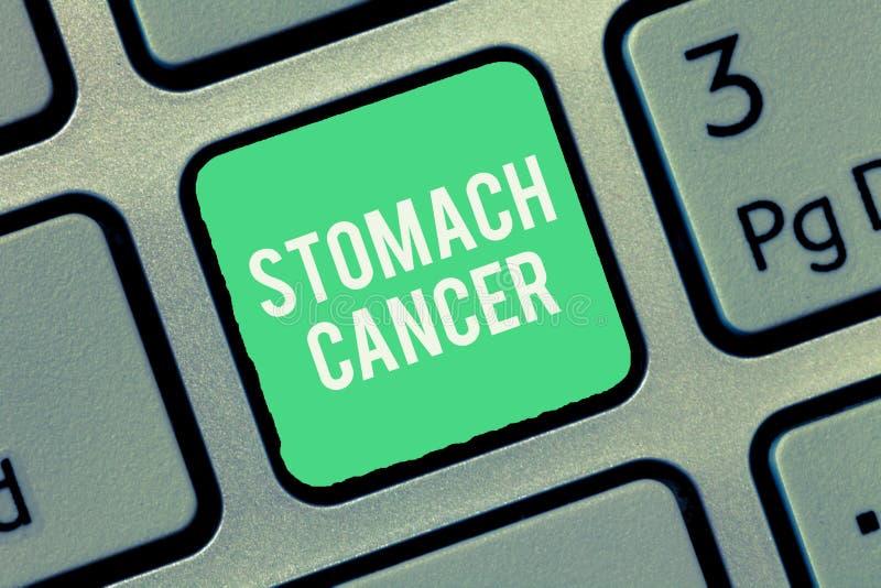 Σημάδι κειμένων που παρουσιάζει καρκίνο στομάχου Εννοιολογικός κακοήθης όγκος φωτογραφιών του στομαχιού που αρχίζει στην επένδυση στοκ φωτογραφίες με δικαίωμα ελεύθερης χρήσης