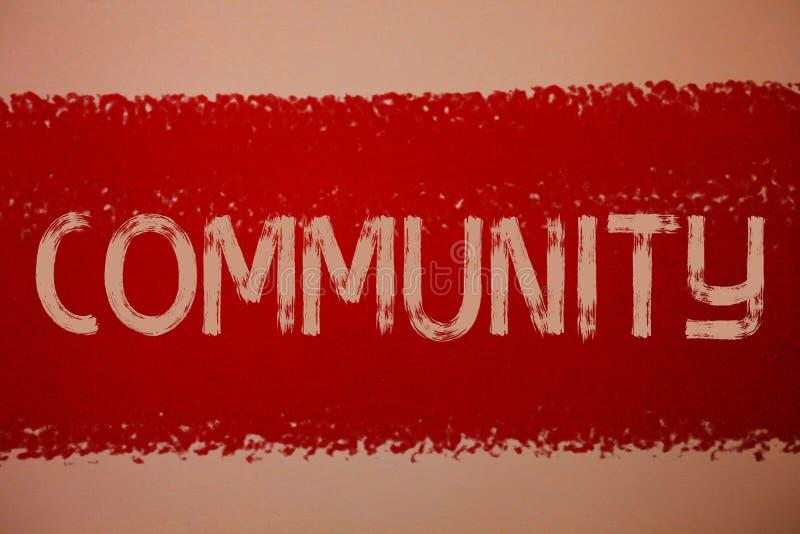 Σημάδι κειμένων που παρουσιάζει Κοινότητα Εννοιολογικά μηνύματα κόκκινο π ιδεών ομάδας ενότητας συμμαχίας κρατικών συνεταιρισμών  στοκ φωτογραφία με δικαίωμα ελεύθερης χρήσης