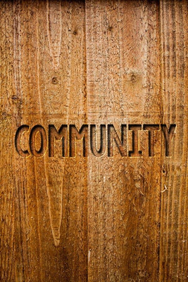 Σημάδι κειμένων που παρουσιάζει Κοινότητα Εννοιολογικά μηνύματα ιδεών ομάδας ενότητας συμμαχίας κρατικών συνεταιρισμών ένωσης γει στοκ εικόνες με δικαίωμα ελεύθερης χρήσης