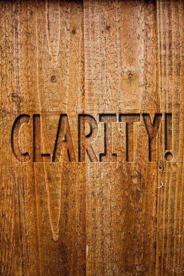 Σημάδι κειμένων που παρουσιάζει σαφήνεια Εννοιολογικό ξύλο μηνυμάτων ιδεών ακρίβειας διαφάνειας δυνατότητας κατανόησης αγνότητας  στοκ φωτογραφία