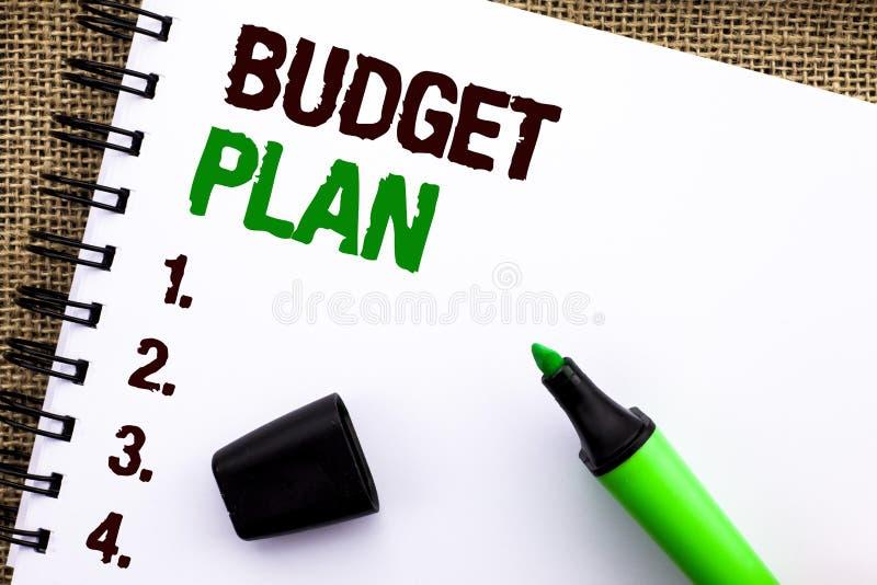 Σημάδι κειμένων που παρουσιάζει σχέδιο προϋπολογισμών Εννοιολογική στρατηγική λογιστικής φωτογραφιών τα οικονομικά οικονομικά εισ στοκ εικόνες